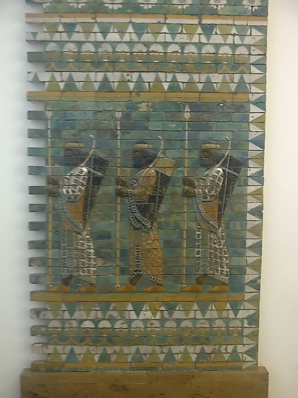 Pergamon Museum, Eternal Soldiers, large