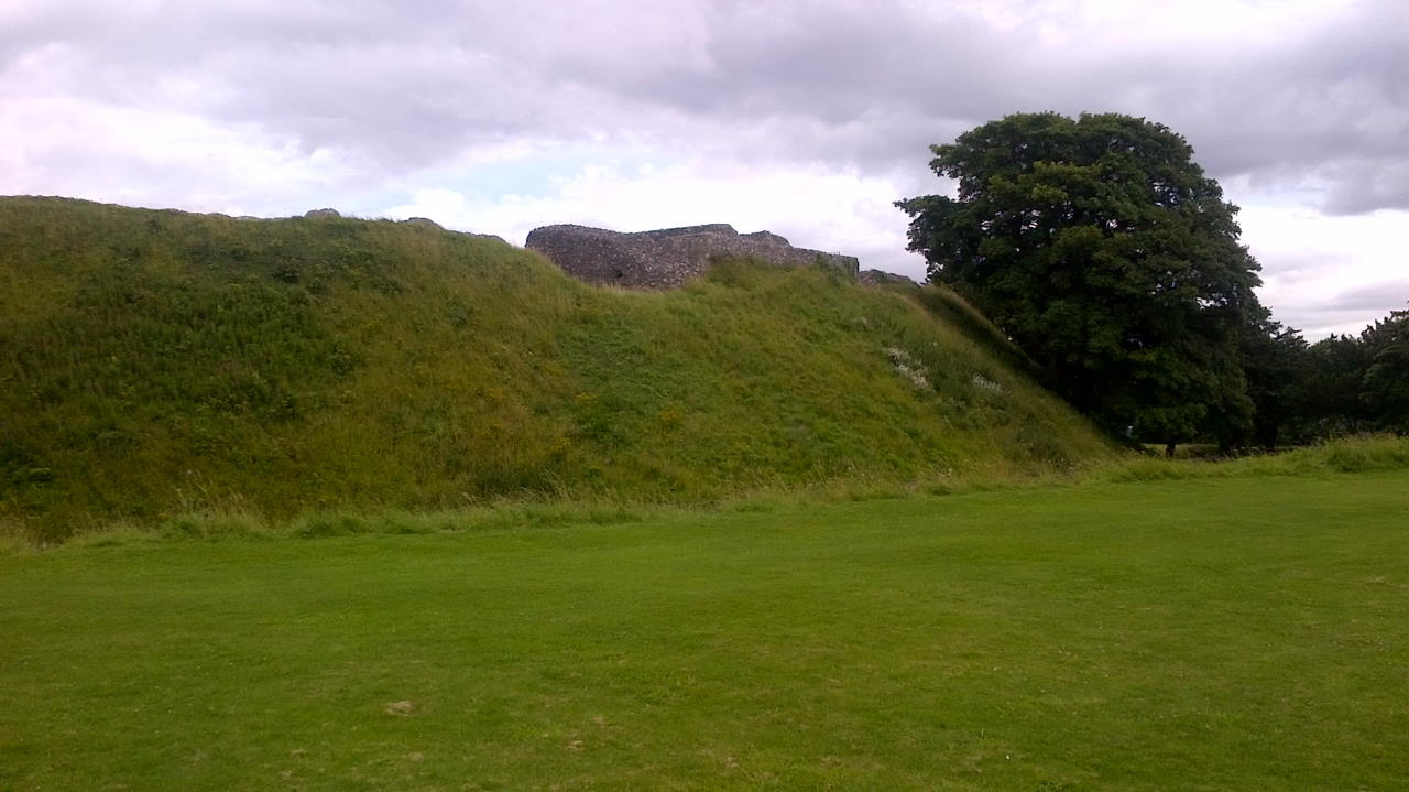 Old Sarum, The Bishops and their Cathedral, earth wall left