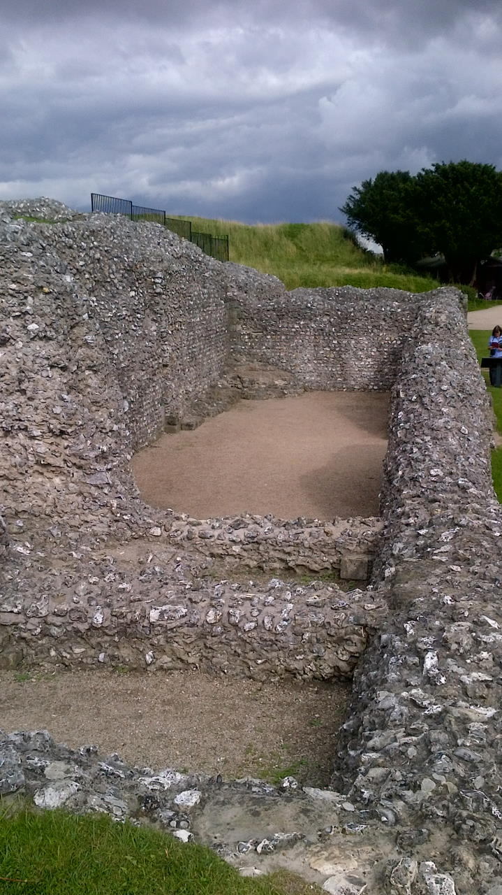 Old Sarum, The privileged few, wall