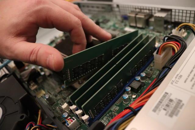 Upgrading server memory
